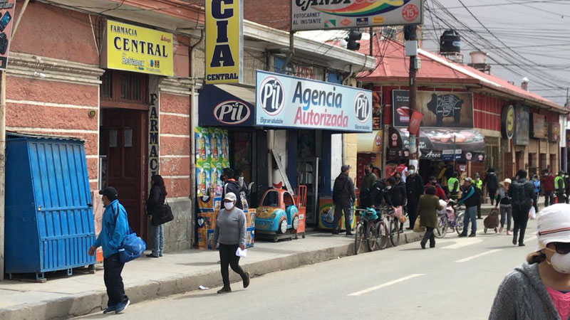 Straßenszene in Oruro (Bolivien) während Corona-Ausgangssperre. Foto: Esther Henning / Eirene.